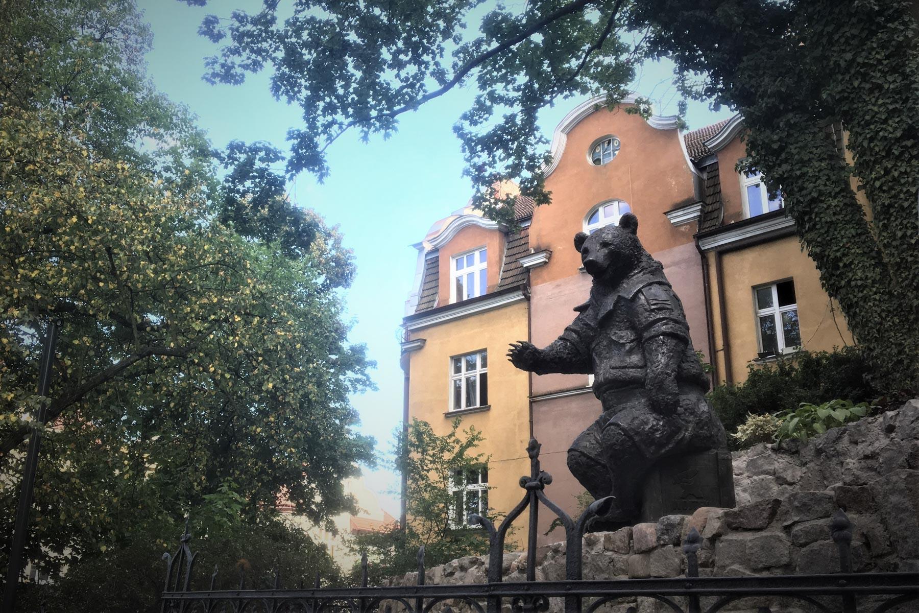 Wojtek the Soldier Bear honoured on Monciak